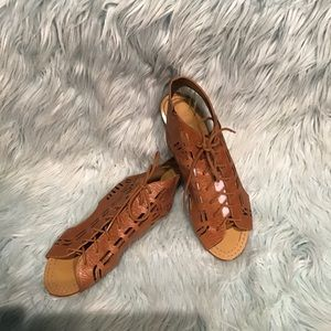 Cynthia Vincent Leather Sandals size 9